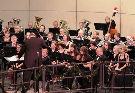 NIC Band Director Terry Jones conducts the NIC Wind Symphony at the annual Christmas concert held at NIC.