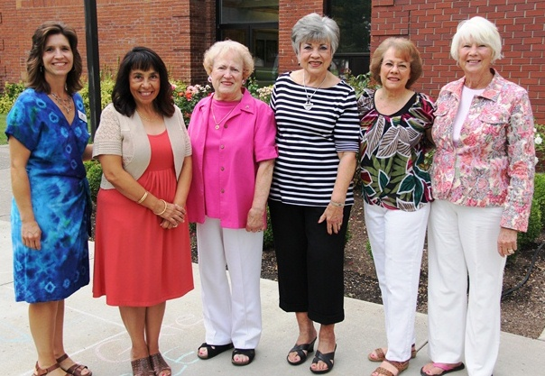 Beta Sigma Phi donates to NIC scholarship program